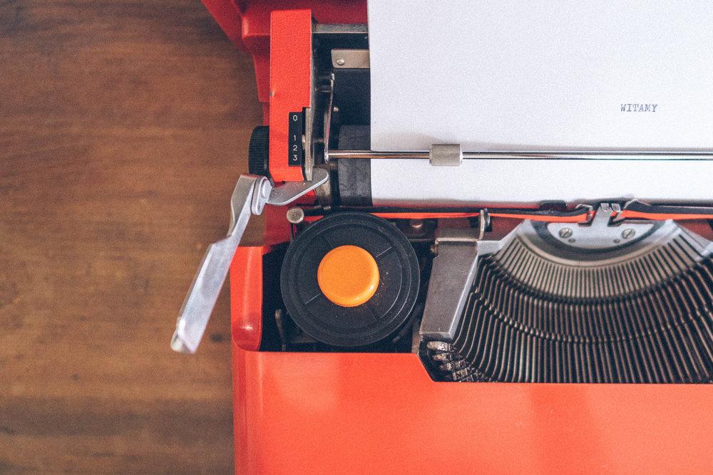 palace osowa sien red Olivetti typewriter from the weichselkirschen suite
