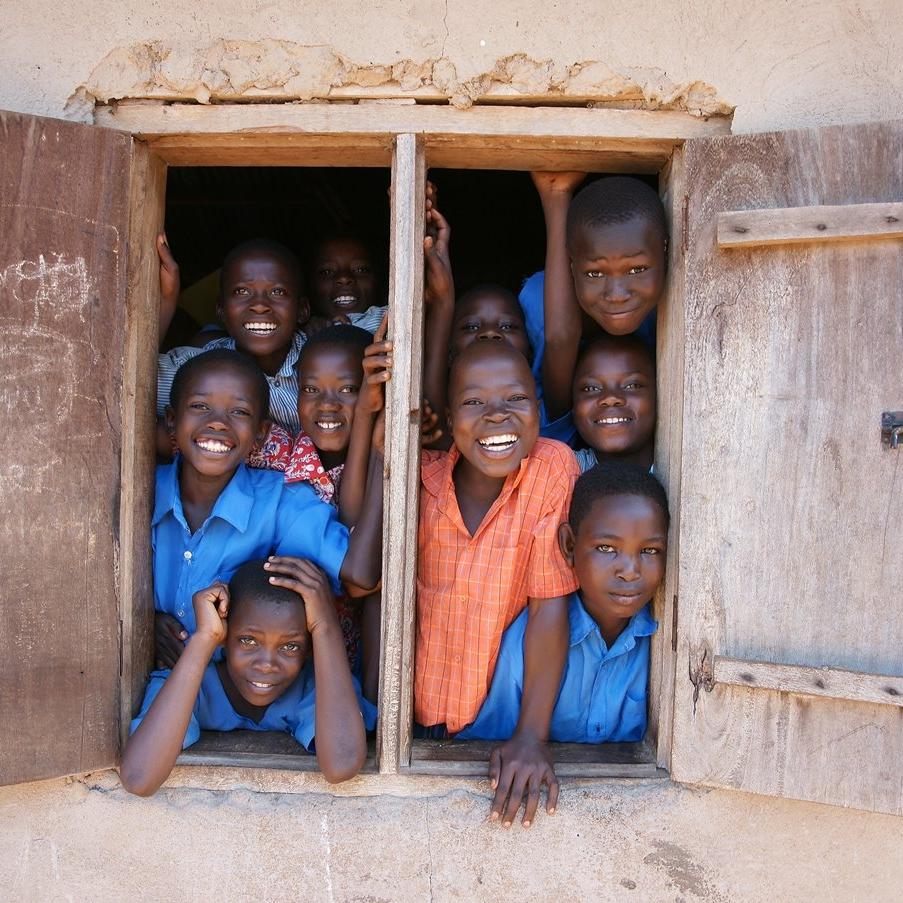 Sababu ERLEBNISSE - Wir arbeiten nicht nur mit Lodges und Camps zusammen, die unsere Naturschutz-Werte teilen, sondern wir möchten Naturschutz auch mit einheimischen Communities und nachhaltigem Reisen verbinden, indem wir einzigartige und wirkungsvolle SABABU ERLEBNISSE nahtlos in Ihre Safari integrieren. Diese sollen Ihnen die Möglichkeit geben, vollkommen in die vielfältige tansanianische Kultur, die so wenige wirklich erleben, einzutauchen - und sich gleichzeitig positiv auf diese auszuwirken. Wir möchten, dass Sie das wahre Tansania SPÜREN und ERLEBEN, und mit Leichtigkeit GUTES TUN während Sie auf der Reise Ihres Lebens sind.