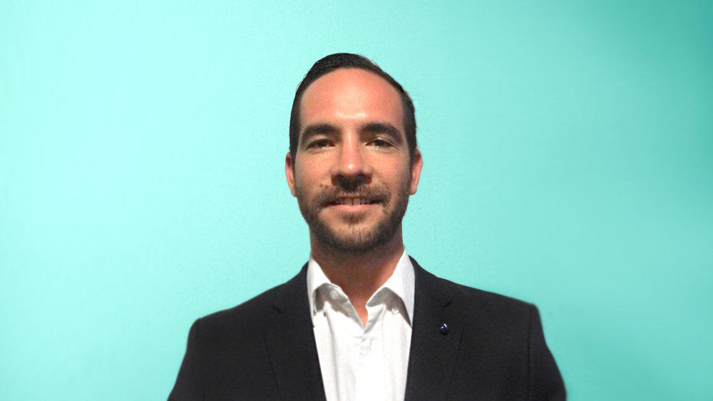 Dr. Eduardo Cabeza