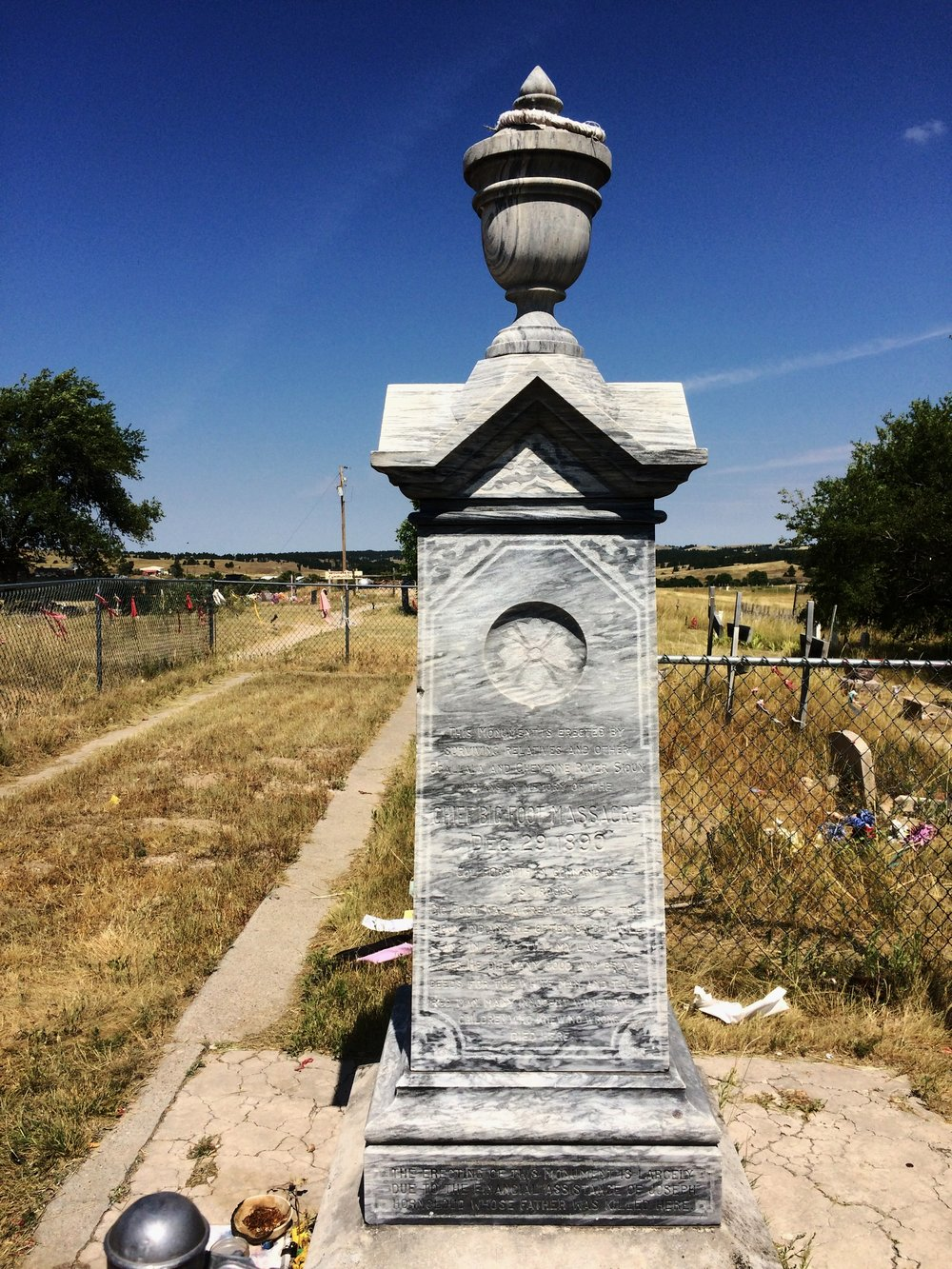 wounded-knee-memorial