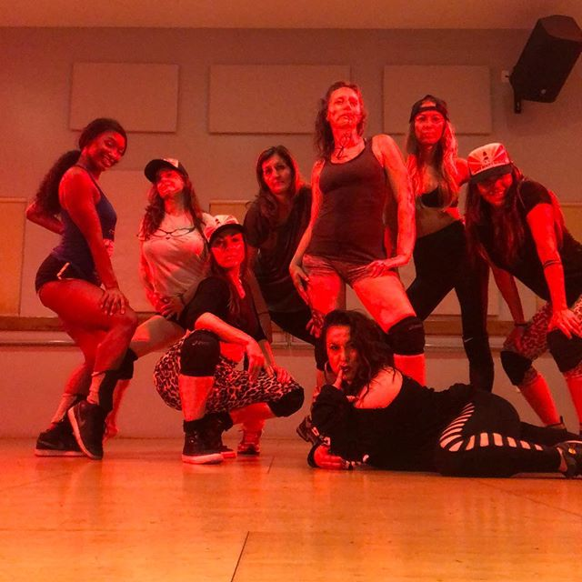 Wahoooo! What a FIRE #twerk workshop with @michelesoulchild and @lovelytalissaj on our LA Booty School Field Trip!  So much love, sweat and power with these babes - it is such an honor to shake it with all y'all!!!! @chandra_janae @shawna_moxi @danipatarazzi @tina_vinas_levitan  #bootypower #bodypositive #twerkbabes #igniteyourbooty #bootyretreat #805