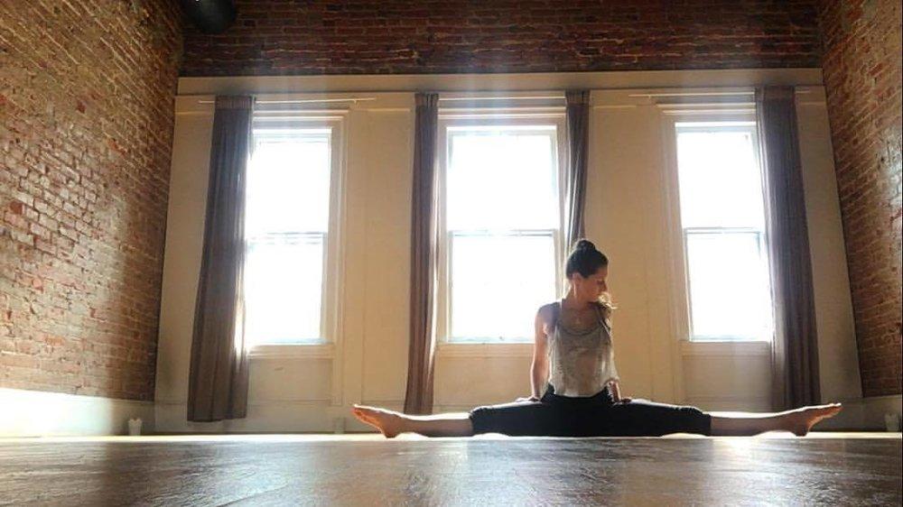 weekly classes - mon • 7:30p • honey flow • epic yoga dctues • 10:15a • baby + me • yoga heights dctues • 6:00p • honey flow • epic yoga dcwed • 6:00p • yin yoga • epic yoga dcwed • 7:45p • all levels • yoga heights dcthurs • 6:30p • prenatal •yoga heights tkpkfri • 12:00p • all levels • yoga heights dc