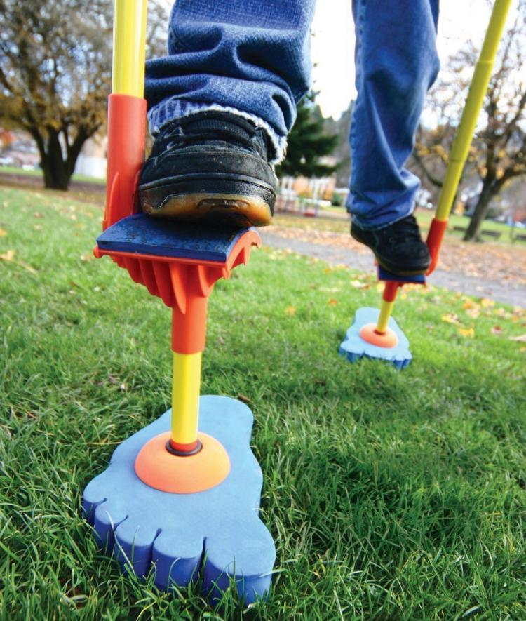 stomp-walker-stilts-3527.jpg