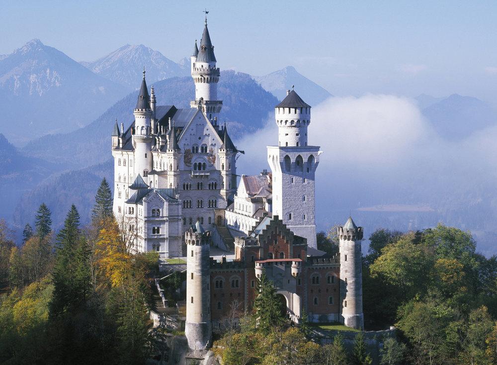 Bavaria's Neuschwanstein Castle.jpg