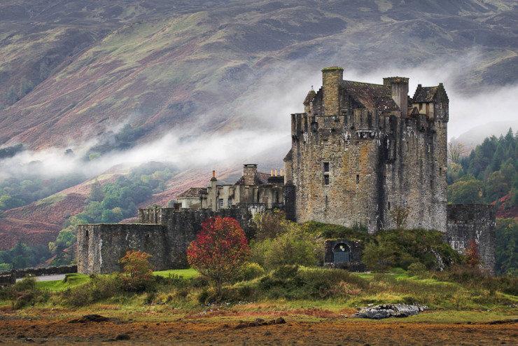 Eilean Donan, Loch Duich Island, Scotland.jpg