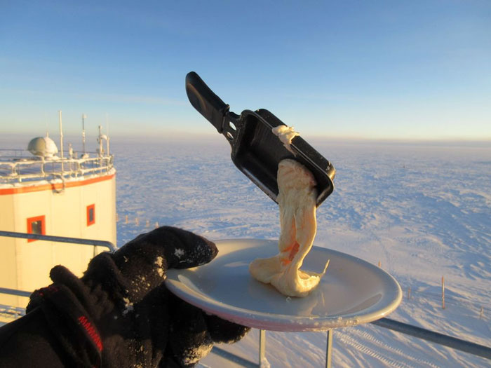 antartica cooking 2.jpg