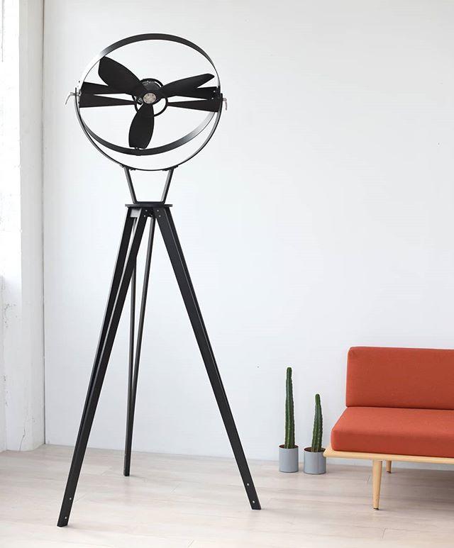 #Aura fan in stained Ash wood  and black powder coated aluminum. #imafan #metalwork #design  #furniture #furnituredesign #fan  #minimalist #ashwood #industrialdesign #blackonblack #lessismore #din2018 #lambratedesigndistrict