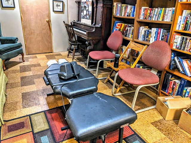 @drkrauza sets up shop once a month to adjust the clients of the Upper Room. #homelessness #chiropractic