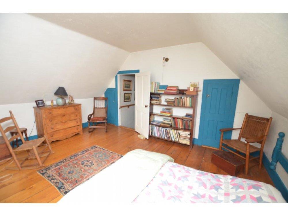 Bedroom 1 Before 4.jpg