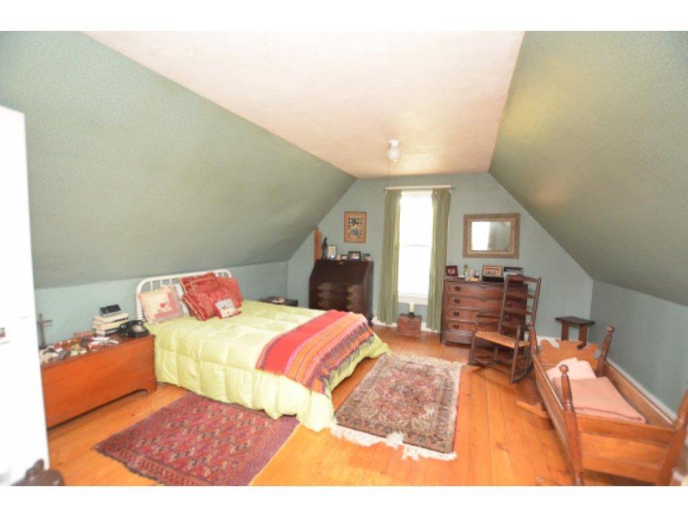 Master Bedroom Before 2.jpg