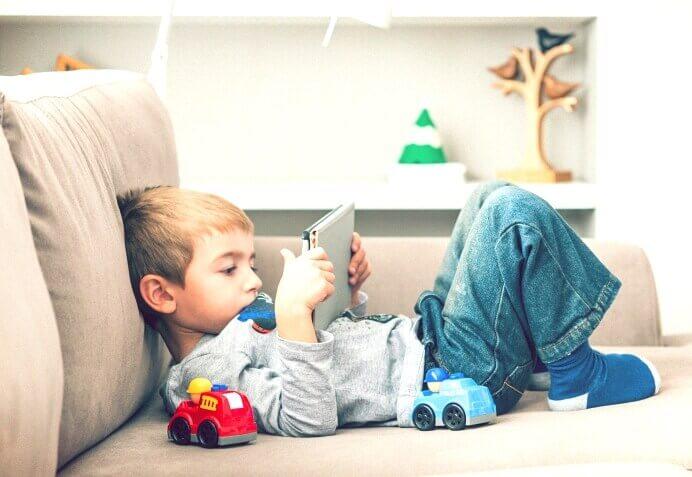 infância e smartphone