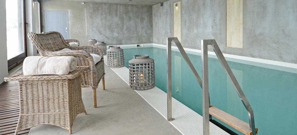 Heated indoors pool