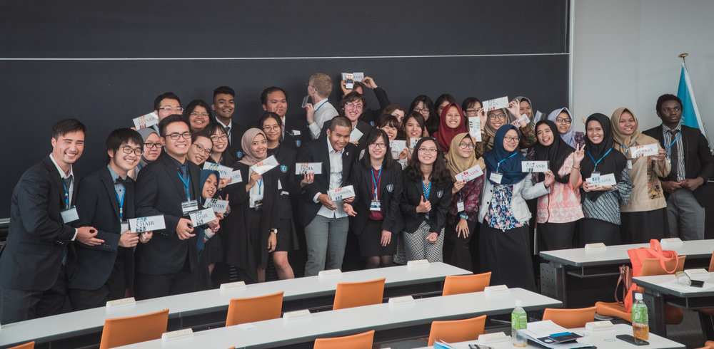 Indonesian delegates posed with TIUMUN team for a group picture.