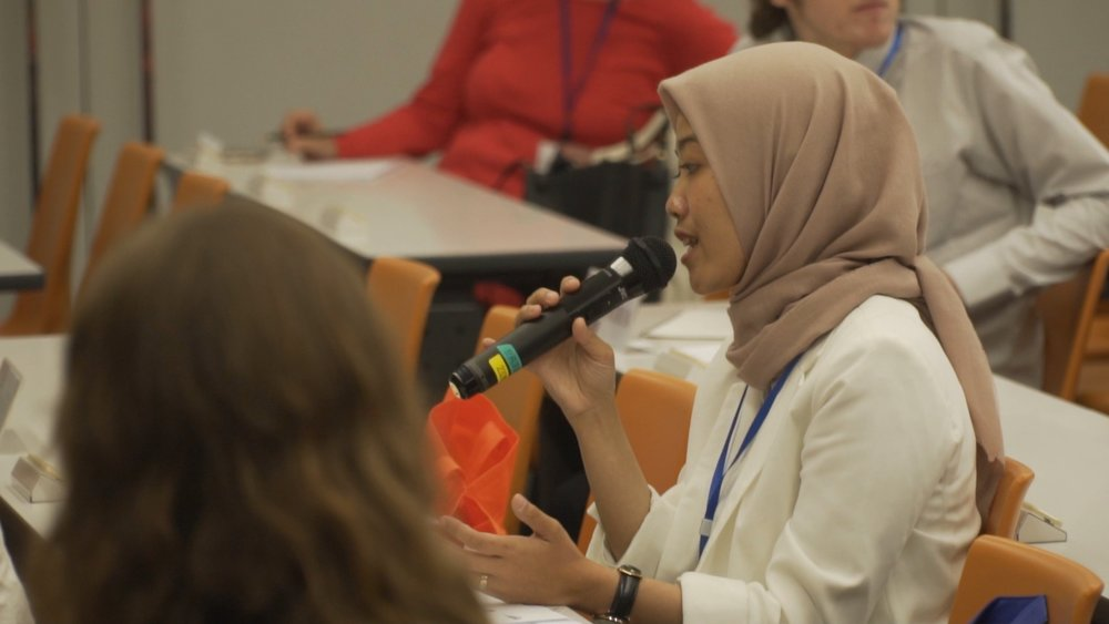 The delegate of China making a speech during a moderated caucus