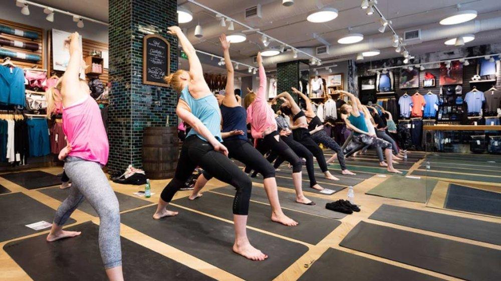 Yoga class in Lulu Lemon, Covent Garden, London. Image ©  Lulu Lemon