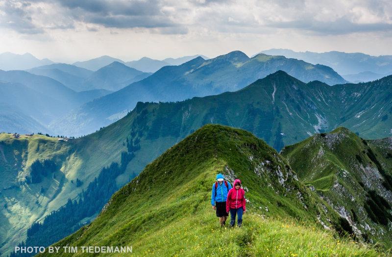 grassy-ridge-people-Tim-Tiedemann.jpg