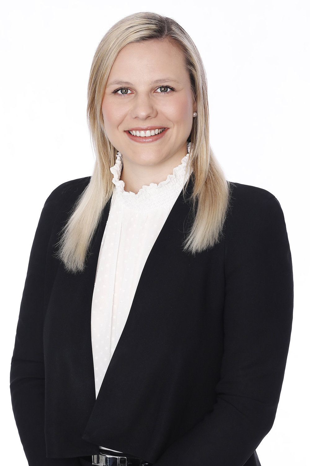 Hannah van wyk - Solicitor Hannah joined the Simonidis Steel team in June 2018 upon completing her Bachelor of Laws, alongside a Bachelor of Business majoring in Accounting, at the Queensland University of Technology and her Graduate Diploma of Legal Practice at the College of Law.Hannah commenced her career in family law in 2013 as a law clerk and the practice manager of a boutique family law firm in Brisbane's inner city suburb of Paddington. For several years she gained practical experience in the field and developed an understanding of the intricacies of parenting and property settlement matters and a love of family law!Hannah is friendly and personable, and genuinely interested in people – some might say she is a 'people person'. She is a driven family lawyer who is instinctively empathetic to understanding the desired outcomes, feelings and fears of her clients. She is focused on supporting her clients through the course of their matter with a positive attitude and approach.