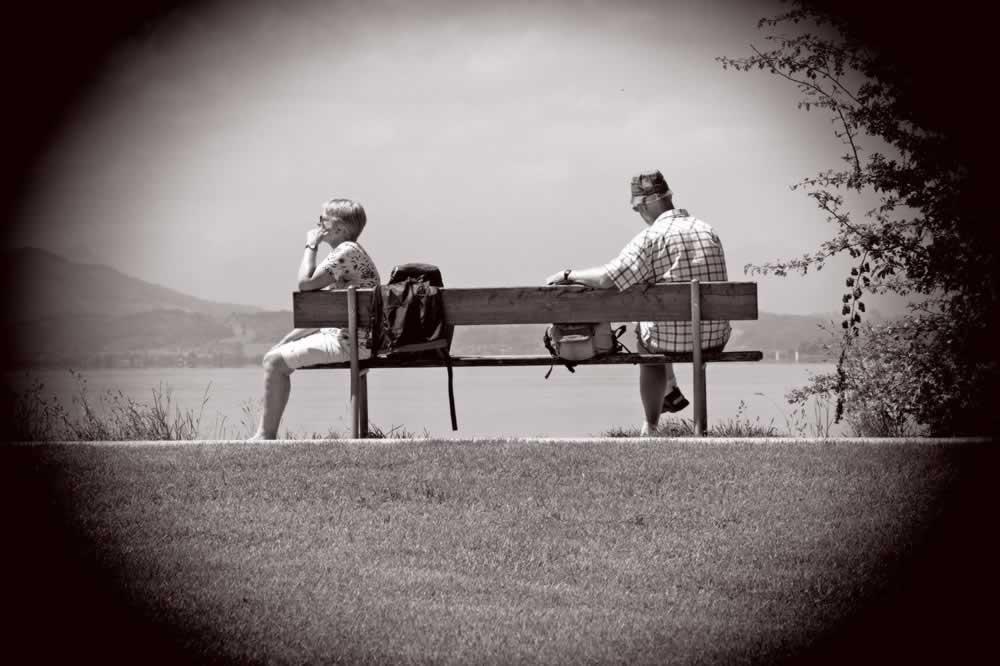 man-woman-bench-sit-163108.jpg