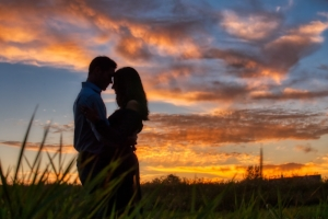 Couple-afterglow-clouds-1542354.jpg