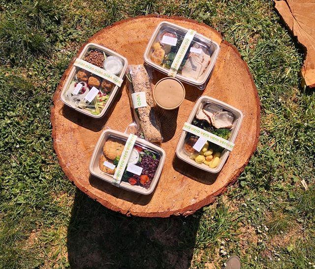 Sabato al parco per i clienti di Vero😊 #verofoodandsmiles #verofood #vero #food #lunch #park #green #sun #sabato #pranzo #break #