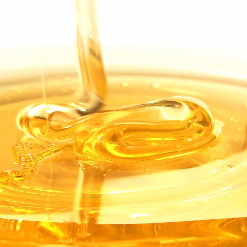 Honing<strong>Honing is een intensieve hersteller, rijk aan proteïnen en bevat 8 essentiële aminozuren voor gezond haar en een gezonde hoofdhuid, is een natuurlijke vochtinbrenger.</strong>