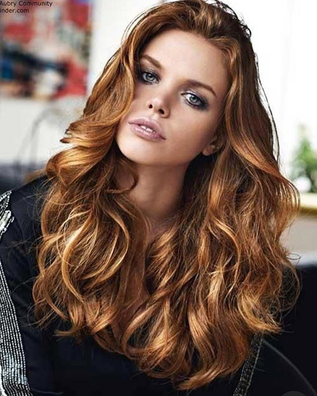 Autumn Colour!  _ _  #hairinspo #autumn #haircolor #haircolour #redhair #longhair #healthy #hair #hairdresser #behindthechair #modernsalon #hairpaint #hairproduct #jbeverlyhills #curls #hairblogger #candlelight #leaves #cozy #stylist #trend #warmtones #jbeverlyhillseurope