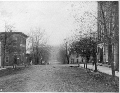 Beverly 1913 Notice the unpaved streets.jpeg