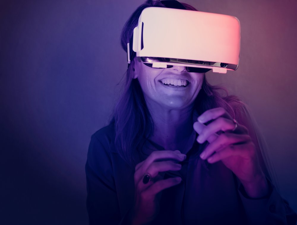 virtual-reality-PDZ524N.jpg