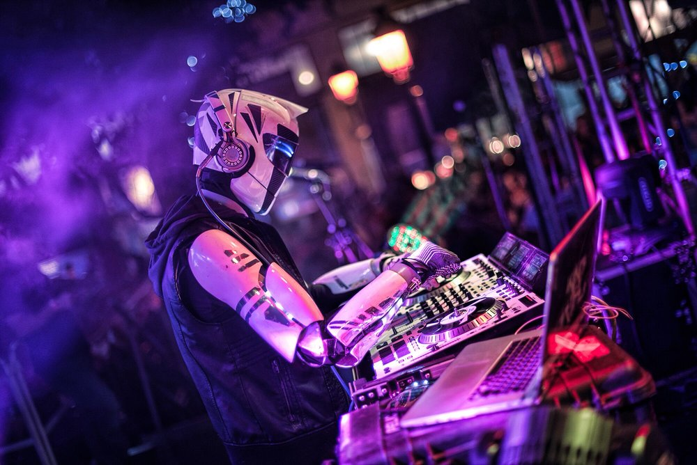 DVJ King Arthur Photo Image dj robot