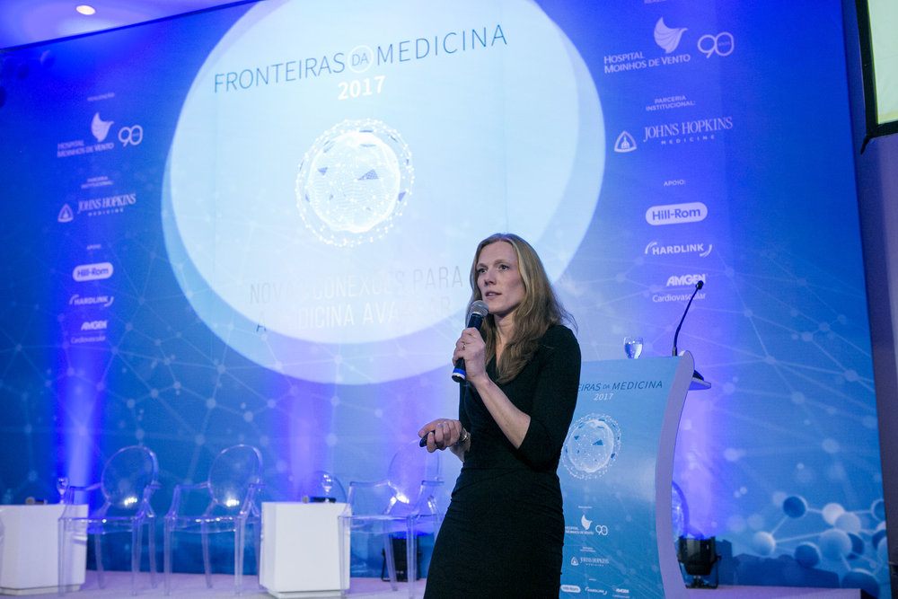 Dr. Marsh speaking at the 2017 International Symposium for the Frontiers of Medicine at Hospital Moinhos de Vento, Porto Alegre Brazil.