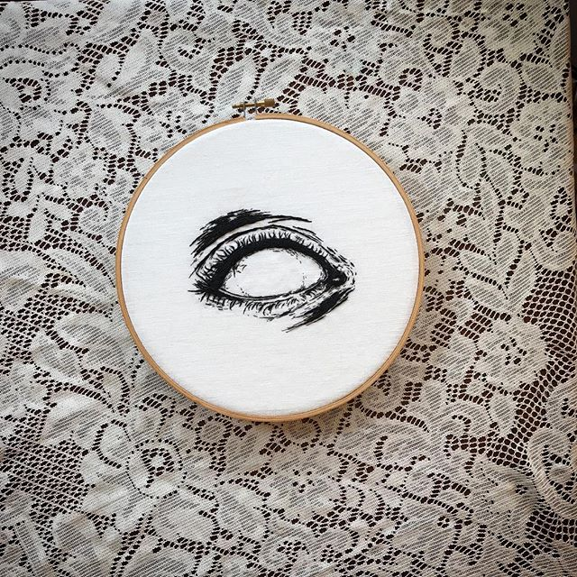 Apparently I can't go more than three months without stitching up an eyeball. Conclusion: 👁 am obsessed. 🤷🏼‍♀️ ☞ #handembroidery on linen ☜ ✧ ✧ ✧ #embroidery #embroideryart #fiberartist #embroideryartist #artistsoninstagram #handembroidered #fiberart #stitchwitch #eyedrawing #eye #eyeart #possessedeyes