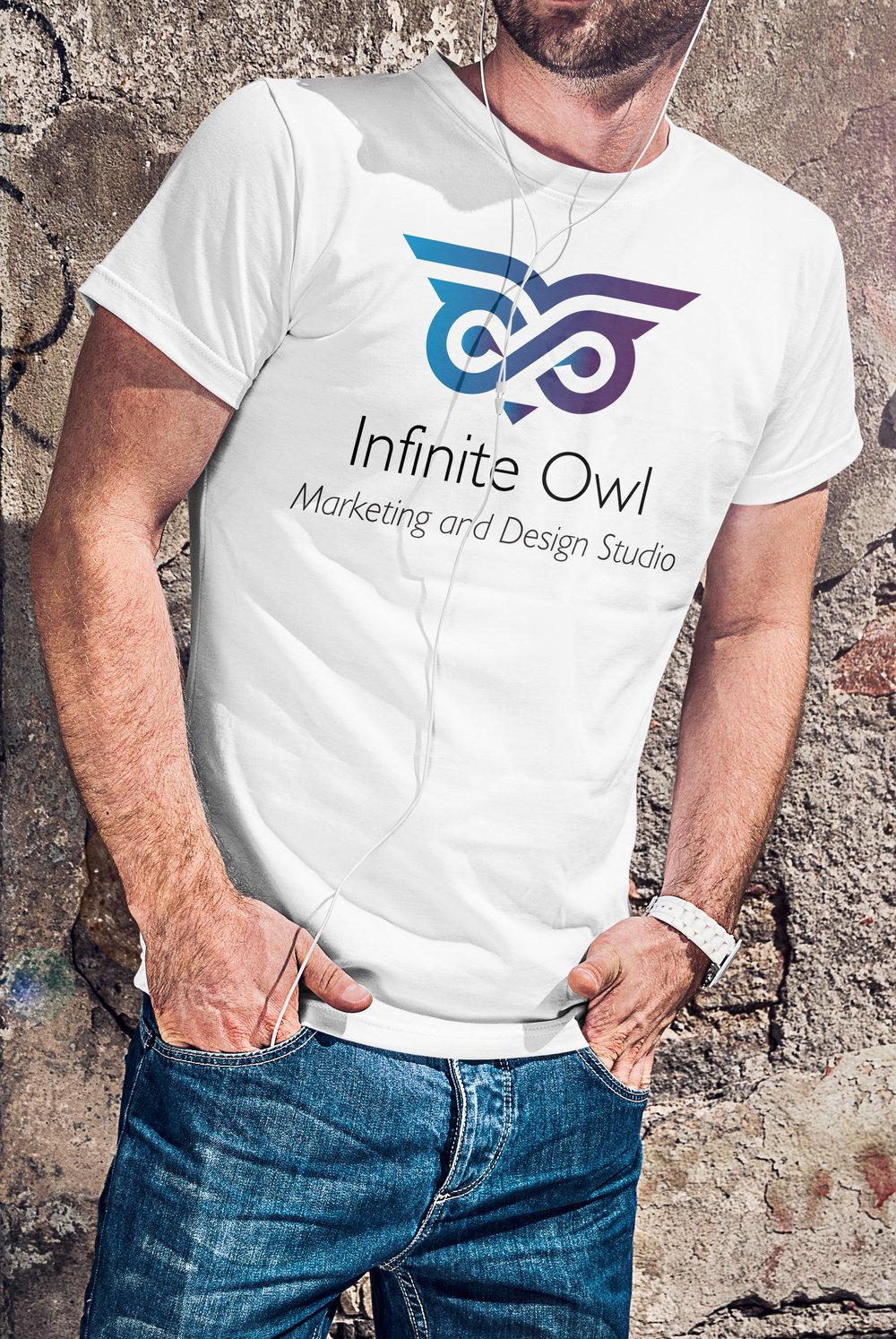 04_T-shirt Mockup_MAN_v2.jpg