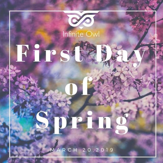 Does your current office space #sparkjoy? If not, it's time do a little #spring #cleaning to #energize your #creativity and #productivity! ‏. . . . #marketingtips #netflix #springtime #marketing #spring #springcleaning #march #digitalmarketing #flowers #firstdayofspring #clean #freshideas #ideas #business #cleanoffice #officespace #declutter #clearyourmind #jumpstart #season #marketing #marketingadvice