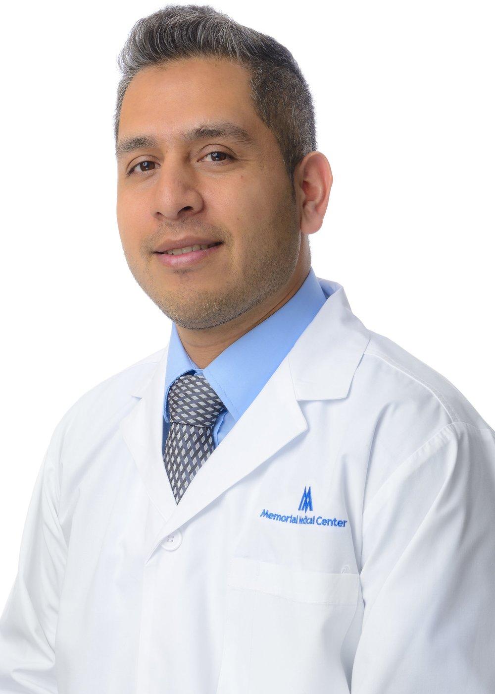 Dr-Salvador-Zambrano_1_MED-RES.JPG
