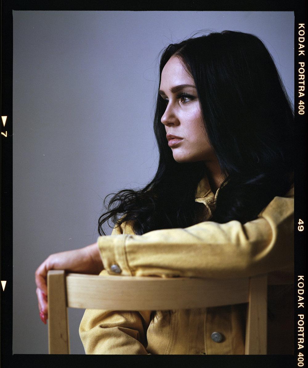 Jasmin-portra400-portrait.jpg