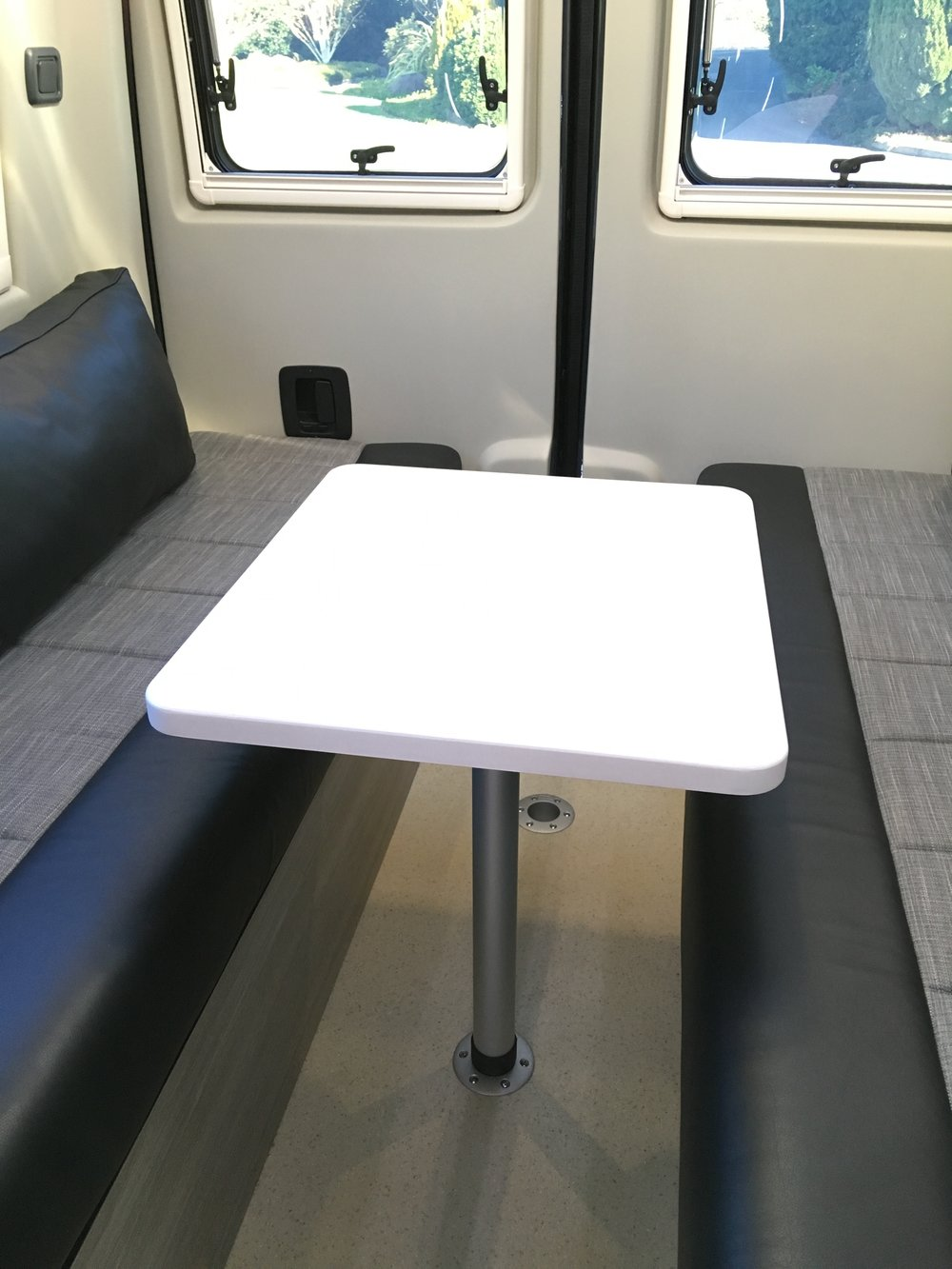 Rebel fixed table
