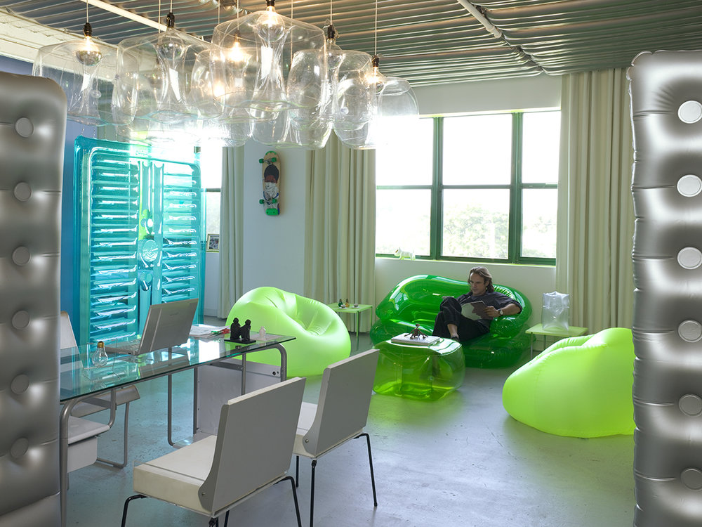 luis-pons-design-art-instalation-miami-office_1.jpg