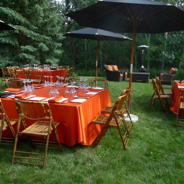 Consider Casual Outdoor Hosting for VIPs or Employees