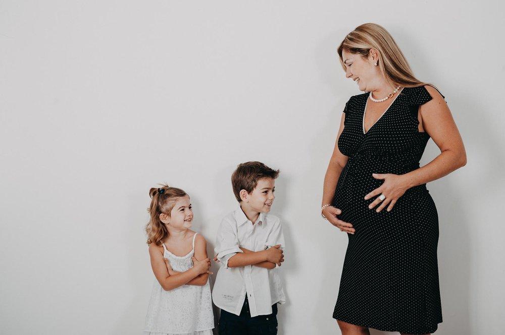 Séance photo future maman en studio à partir de 77€