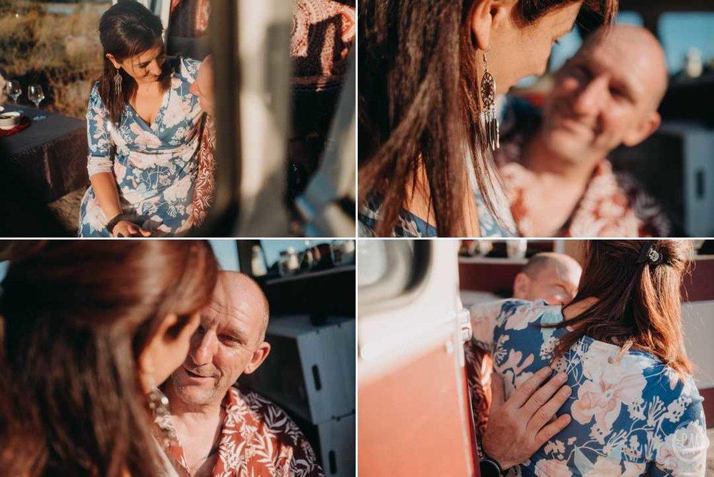 seance-engagement-a-la-plage-en-combi-vw 18.jpg