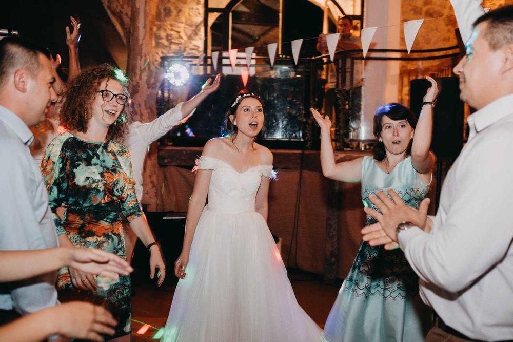 un-mariage-au-mas-nouveau-de-genolhac-en-hautes-cevennes-42.jpg