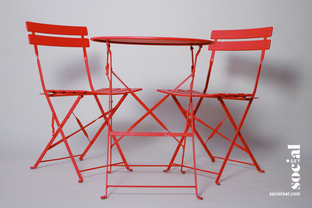 Coral Pantone 2019 Patio Set
