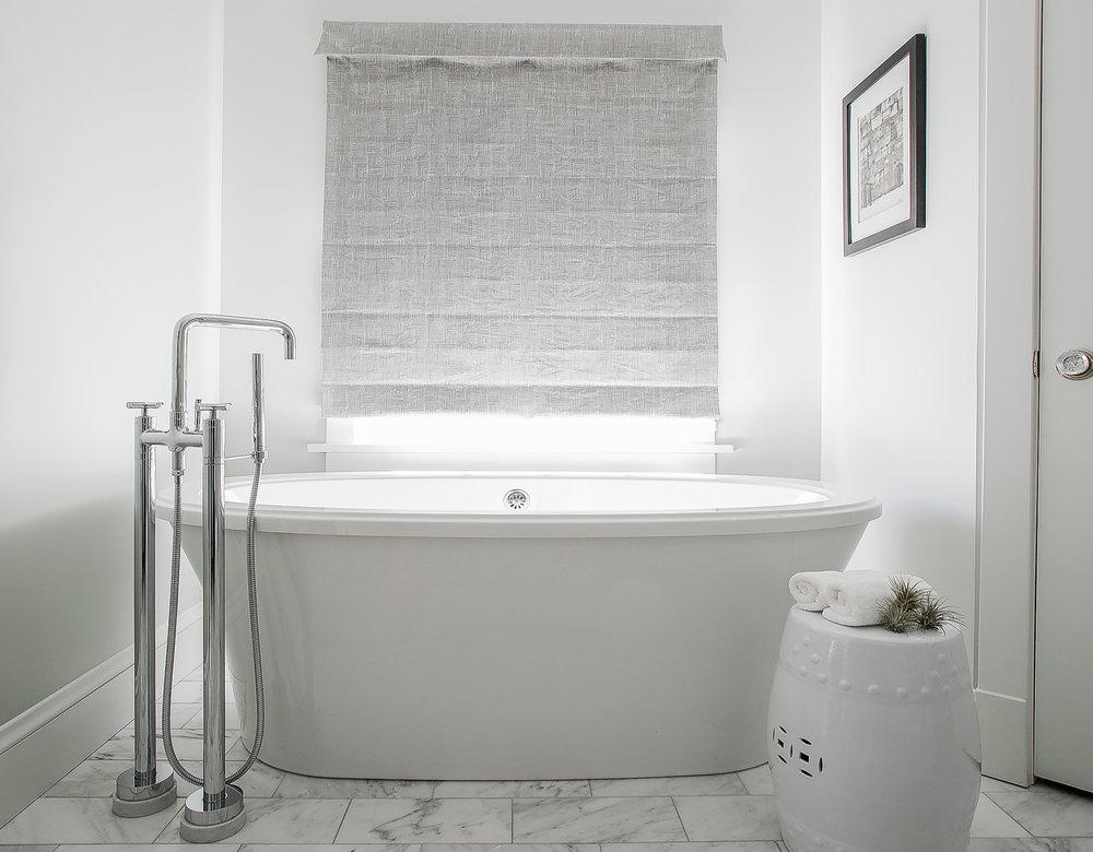 Master bathroom tub Edited.jpg