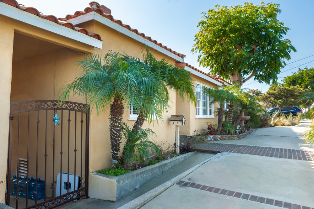 Front Home2.jpg
