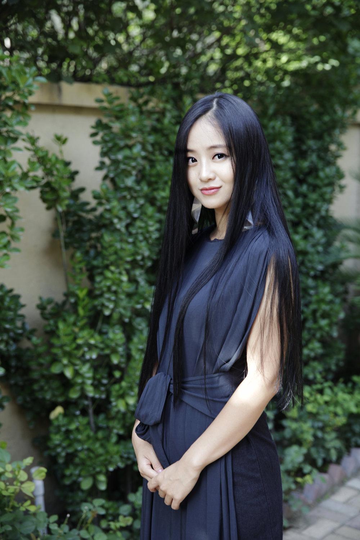 Zuxin Hou