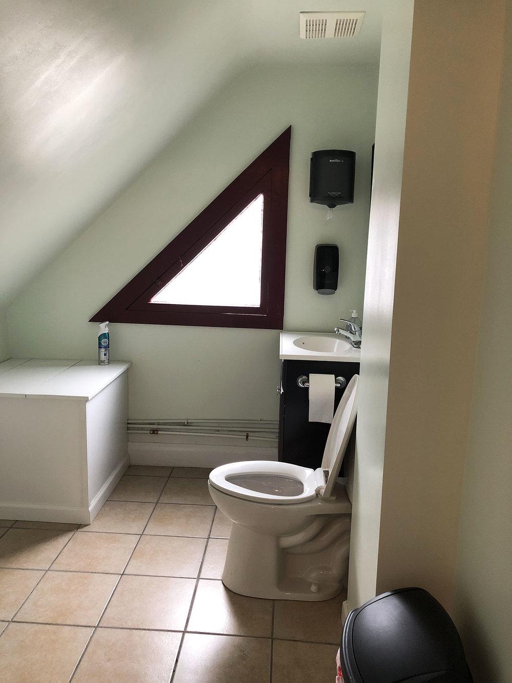 Bath4_1.jpg