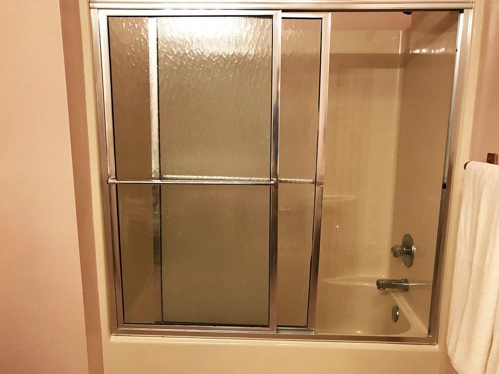Bath2_2.jpg