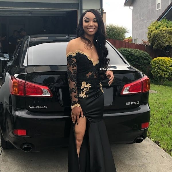 Sarahna stepped out serving just enough skin to slay with class! Make sure you tell em Ms. In Stitches made it. ⠀ #vallejo #seamstress #Alterations #tailoring #msinstitches #prom #mermaiddress #blackdress #gold #happymonday
