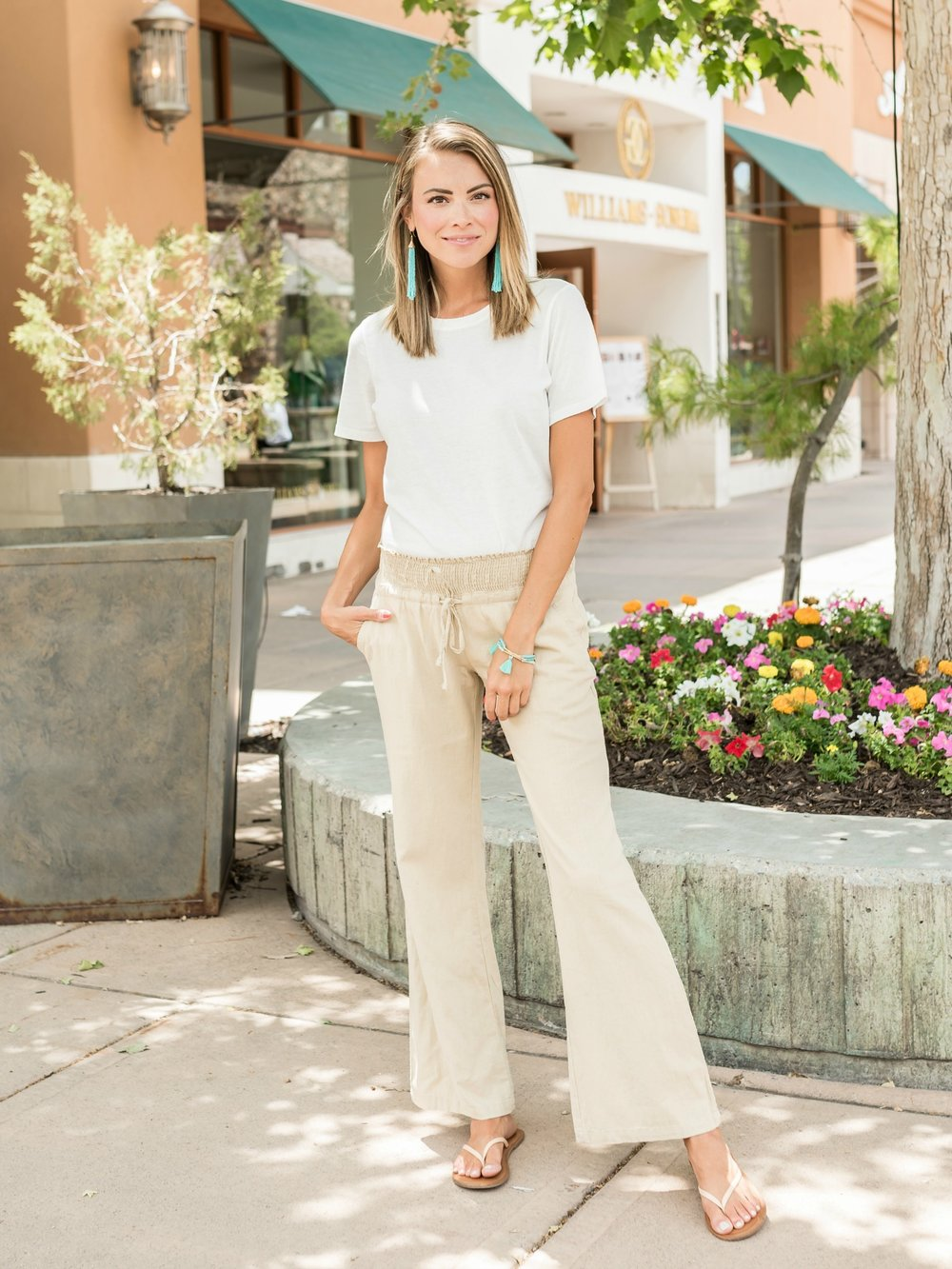 The Desiree Linen Pants in Khaki