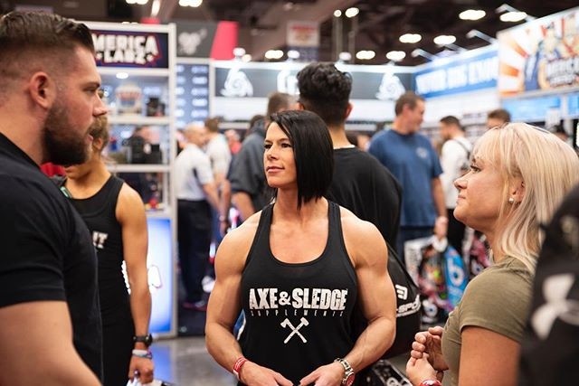 So yesterday we found out that @sethferoce is sorta popular & the line for the @axeandsledge booth was several hours long! - So today if you want to say what's up! Don't hesitate to grab my attention & I'll step outside the booth so we can chat! - Axe & Sledge booth #1915 We are located next to the giant wooden @roguefitness strongman log thing. - #arnoldexpo2019 #arnoldexpo #arnoldclassic2019 #arnoldclassic #girlswholift #kristennun #axeandsledge #sethferoce